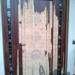 Portoncino in legno prima della manutenzione